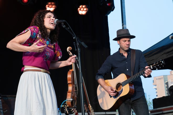 Carrie Rodriguez teams with fellow musicians in the great outdoors for new video series – austin360