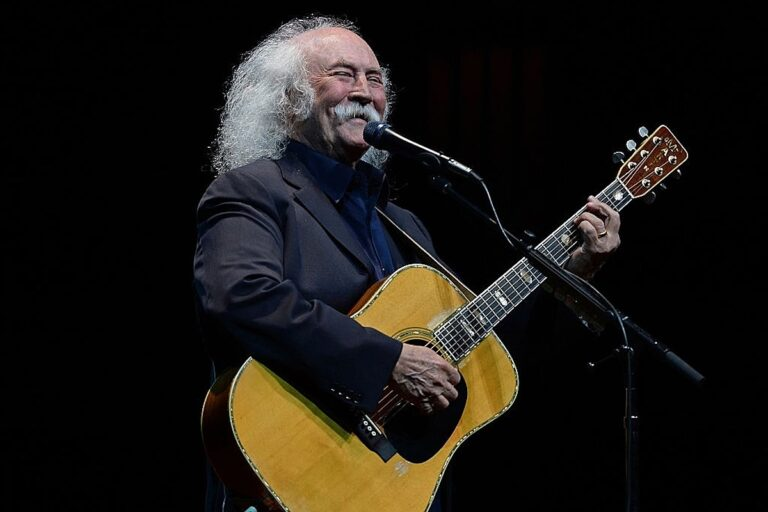 Listen to David Crosby's New Collaboration With Donald Fagen – Ultimate Classic Rock