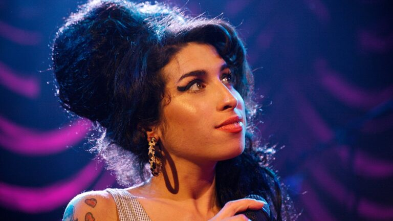 Why It's Important To Commemorate Amy Winehouse's Uniquely Jewish Beauty – British Vogue